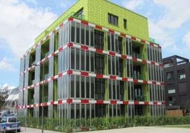 SolarLeaf, la facciata che produce elettricità e calore a partire da microalghe; simbolo della bioedilizia ad Amburgo