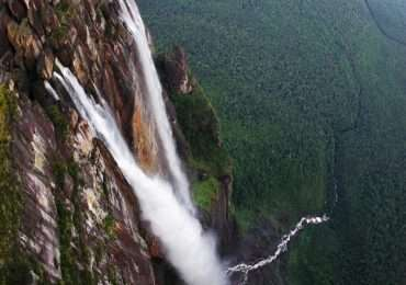 Il Salto Angel sono le cascate più alte del mondo e si trovano sulla montagna del Diavolo.