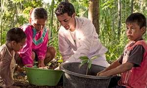 Plantalampara è frutto del lavoro tra gli scienziati e i bambini del posto.