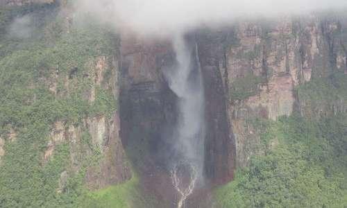 Il Salto Angel è la cascata più alta del mondo.