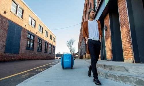 Gita è la valigia robot sviluppata da Piaggio.