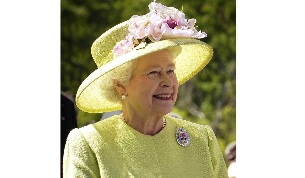 La regina d'Inghilterra Elisabetta II fu il primo monarca a inviare una mail.