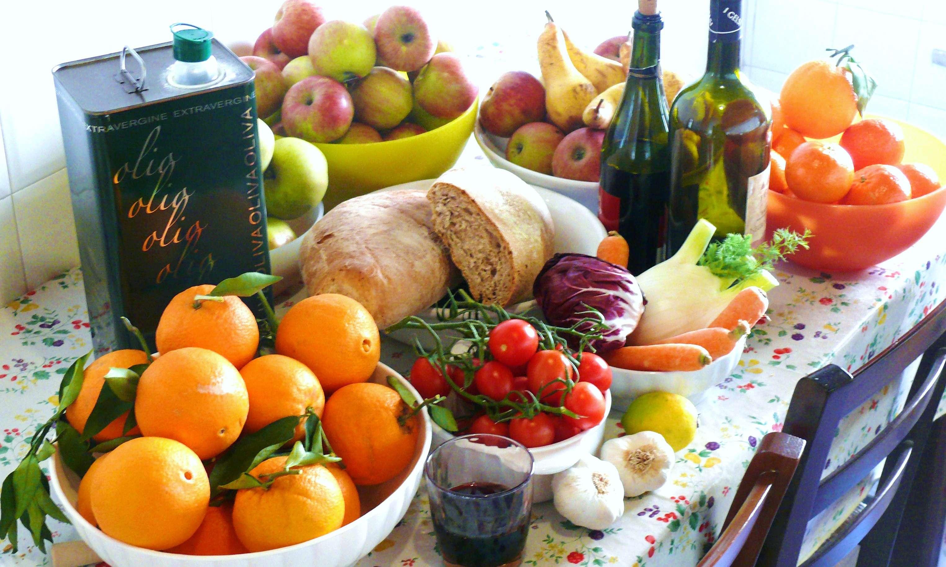 Quale alimento contiene l'acido etanoico?