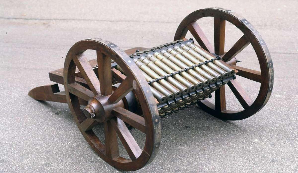 Quale di questi costruì un modello di cannone?