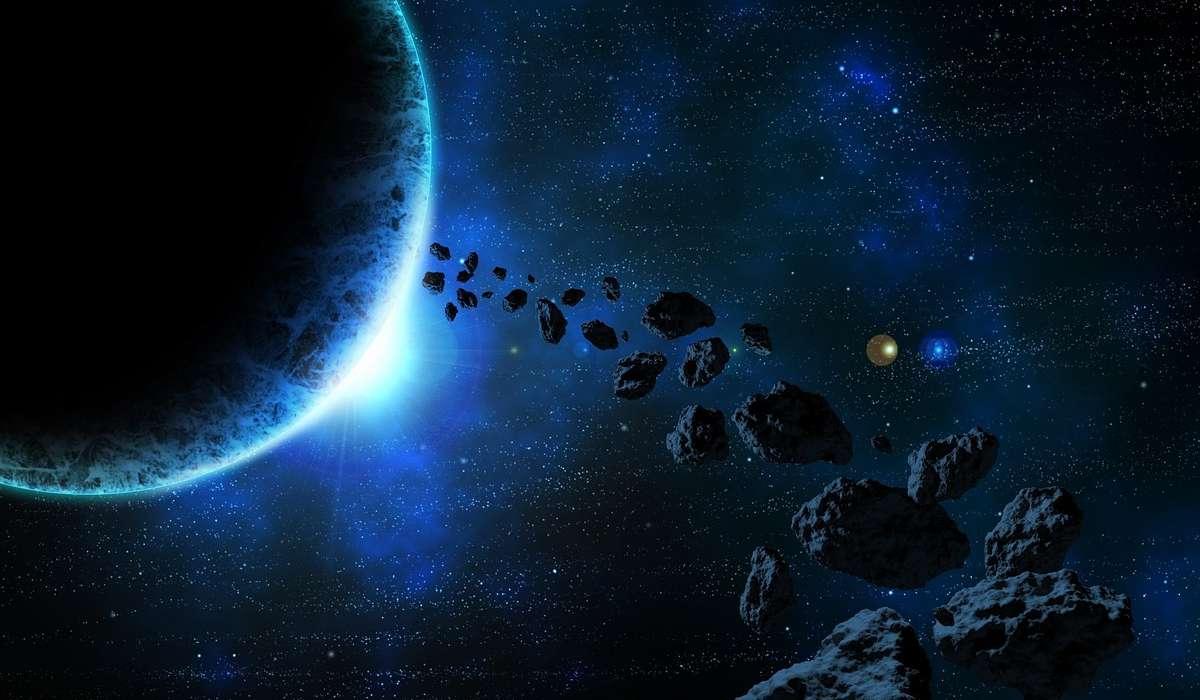 Tra quali pianeti si trova la fascia principale degli asteroidi?