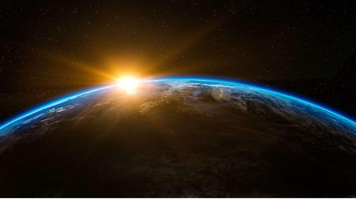 Come si chiama l'effetto di riflessione della superficie terrestre?