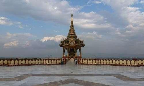 Naypyidaw è la capitale della Birmania, Stato fortemente ancorato alle sue tradizioni.