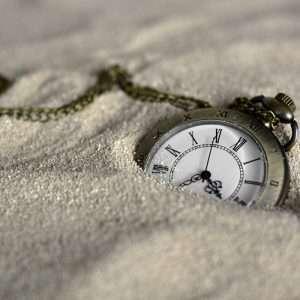 Non è vero che il tempo passa in fretta - o almeno non come crediamo. Un articolo di Claudia Hammond spiega come l'invecchiamento influenza la percezione del tempo.