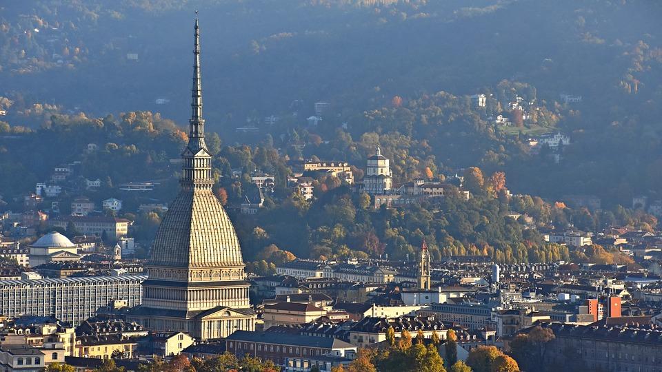 A Torino, l'aspettativa di vita la misura un tram