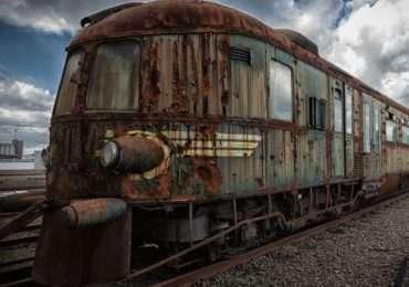 Dopo secoli di storia, un misterioso treno fantasma appartenente alla leggendaria Orient Express abbandonato in un deposito in Belgio.