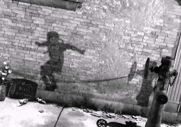 Uno dei momenti più trgici della storia tracciati dalle ombre di Hiroshima, ombre nucleari.