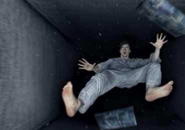 lo spasmo ipnico, la sensazione di cadere nel sonno.