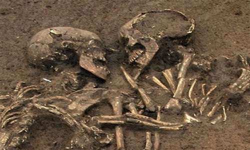 coppia di scheletri 1500-anni-storia-amanti
