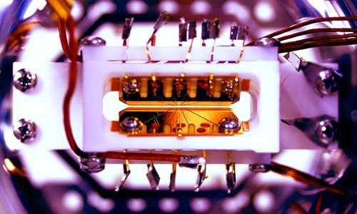 Computer quantistico: come funziona una trappola per ioni