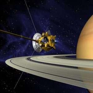 Dopo 20 anni dal lancio della missione spaziale Cassini-Huygens, Cassini, la sonda impiegata per la missione ci trasmette delle immagini ravvicinate degli anelli di Saturno.