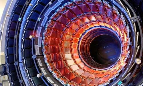 LHC del CERN di Ginevra, un enorme laboratorio per sapere cos'è l'antimateria.
