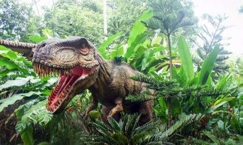 I dinosauri sono nella maggior parte delle foto raffigurati come enormi creature dalla pelle squamosa