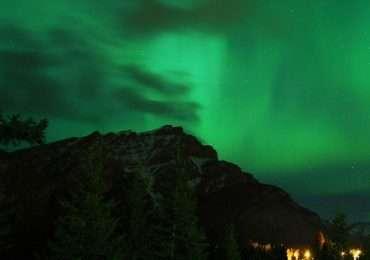 Le aurore boreali sono un fenomeno atmosferico il cui periodo migliore per essere viste varia in base a determinati fattori.