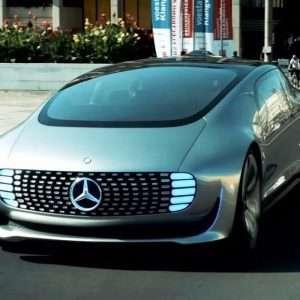 L'auto del futuro sarà predisposta per la guida autonoma e la compattezza dei motori elettrici cambierà le proporzioni del corpo vettura.