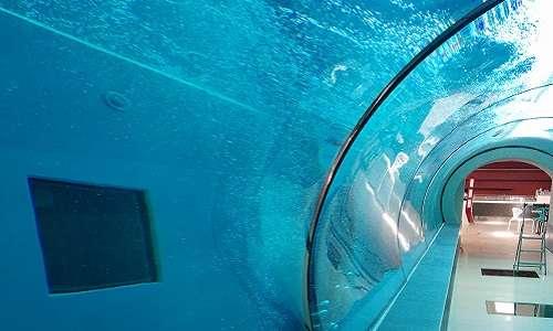 La piscina più profonda del mondo, Y-40, è un capolavoro ingegneristico.