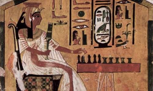 La teoria gender riprende l'idea di ruolo di genere come variabile fra società diverse. Ne è un esempio il confronto fra Africa ed Europa antica per quanto riguarda l'emancipazione femminile.