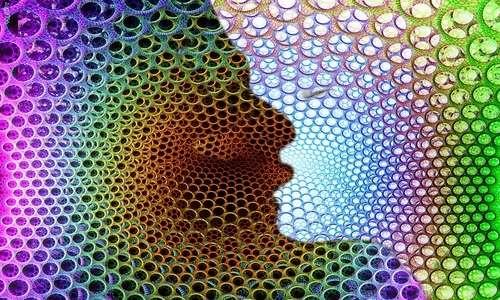 La sinestesia permette di percepire le sensazioni in maniera diversa e più complessa.