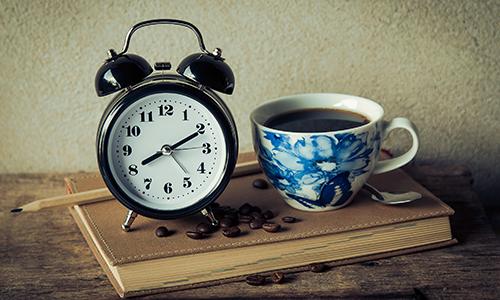 L'insonnia è un problema di molte persone, e la caffeina ne accentua i sintomi.