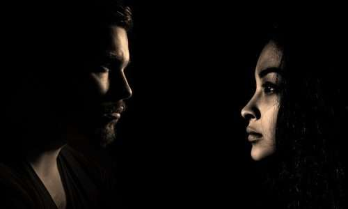 Il primo amore sarebbe responsabile di un imprinting amoroso che fissa gli standard estetici e caratteriali ricercati nel proprio partner.
