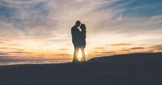 Meccanismi di imprinting e dipendenza biochimica: ecco ciò che accade al nostro cervello durante il primo amore.