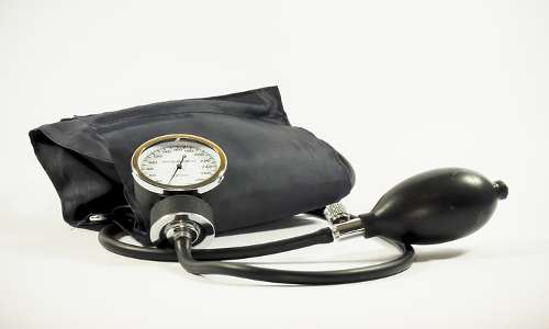 Lo sfigmomanometro è uno strumento usato dai medici per controllare la pressione del sangue, per altri fluidi invece si consultare dispositivi che sfruttano l'effetto Venturi.
