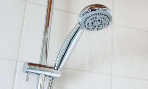 L'immagine mostra un doccia di un'abitazione: un tubo nel quale scorre un fluido come i tipici condotti che sfruttano l'effetto Venturi. Mediamente la portata di una normale doccia è di 5 litri al minuti, per una doccia di 10 minuti si consumano 50 litri d'acqua.