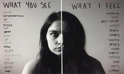 La psicosi può essere caratterizzata da episodi depressivi.