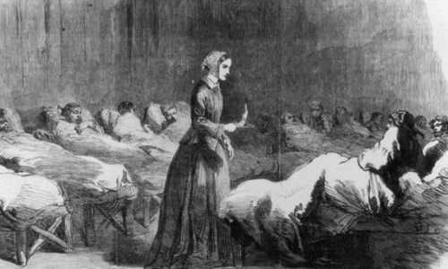 Florence Nightingale, leggendaria infermiera britannica. L'effetto Nightingale, spesso confuso, ha delle differenze rispetto alla sindrome della crocerossina.