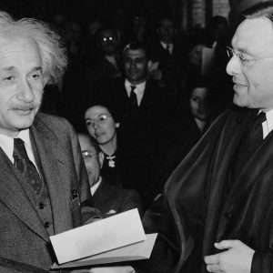 Quali sono gli scienziati che hanno cambiato il mondo? Oltre ad Einstein, Newton, sapresti riconoscere gli scinziati rivoluzionari in base alle loro scoperte anche di quelli meno famosi?