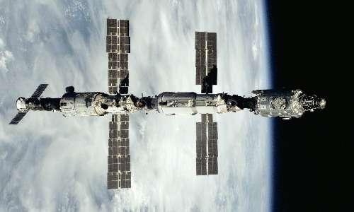 L'attuale stazione spaziale ISS si sviluppa da questi 3 moduli: Unity, Zatja e Zvezda