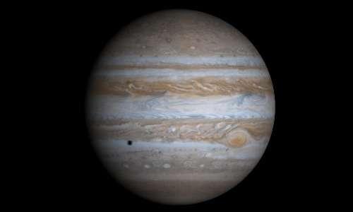 Il gigante gassoso Giove, l'oggetto di studio della sonda spaziale Juno