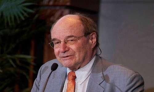 Walter Gilbert, colui che formulò la teoria del RNA World