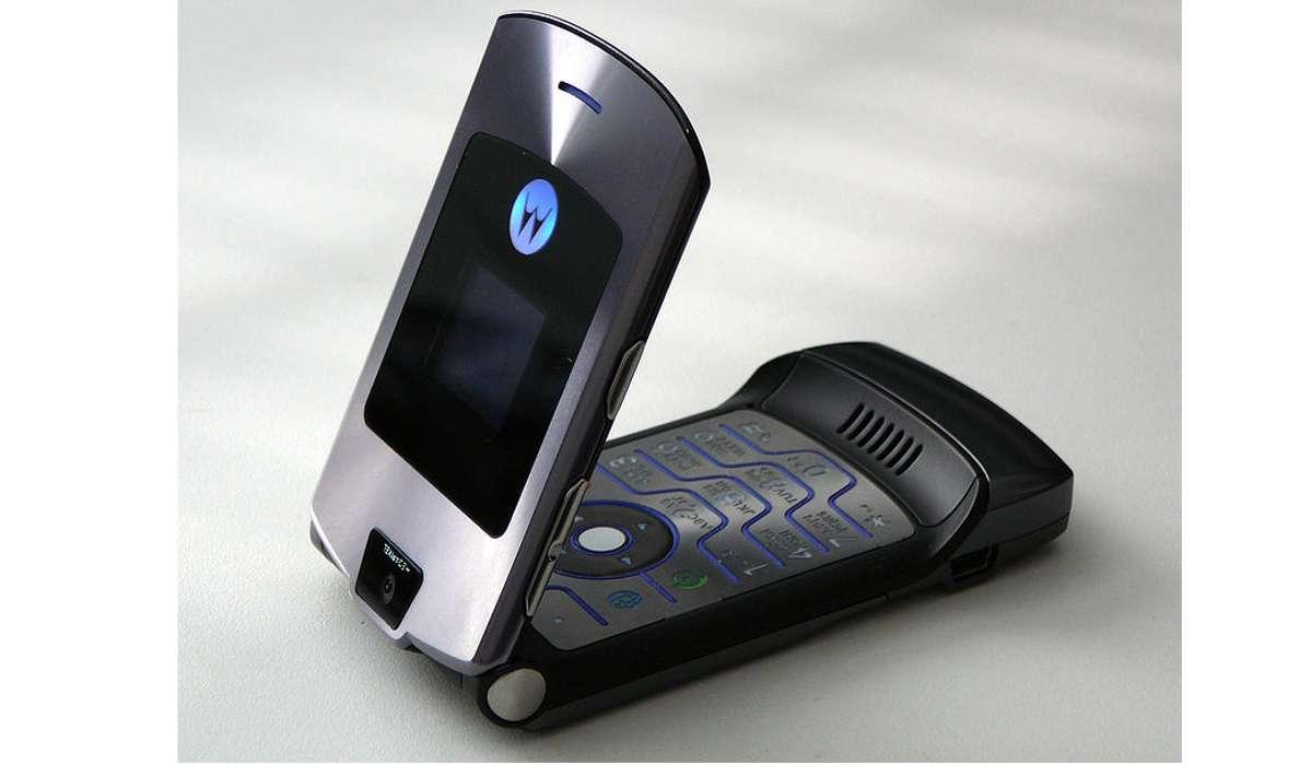 Quale azienda ha acquisito il produttore di telefoni cellulari Motorola Mobility nel 2011?