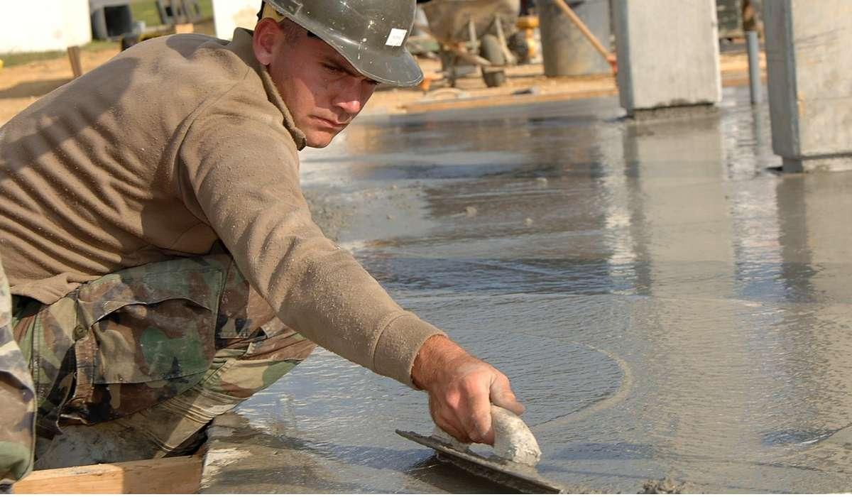 Che materiale è costituito da cemento e acqua?