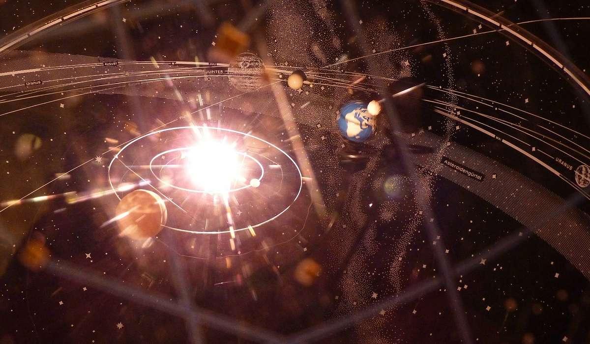 Quanto impiega Saturno per compiere un giro sull'orbita intorno al Sole?