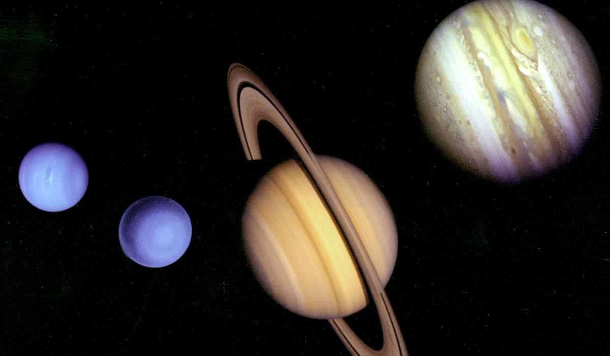 Con quale appellativo gli scienziati si riferiscono ad Urano per differenziarlo dagli altri giganti gassosi?
