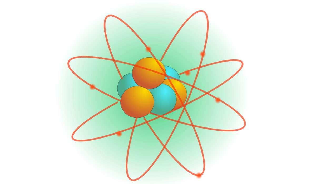 Una molecola o un atomo elettricamente carico.
