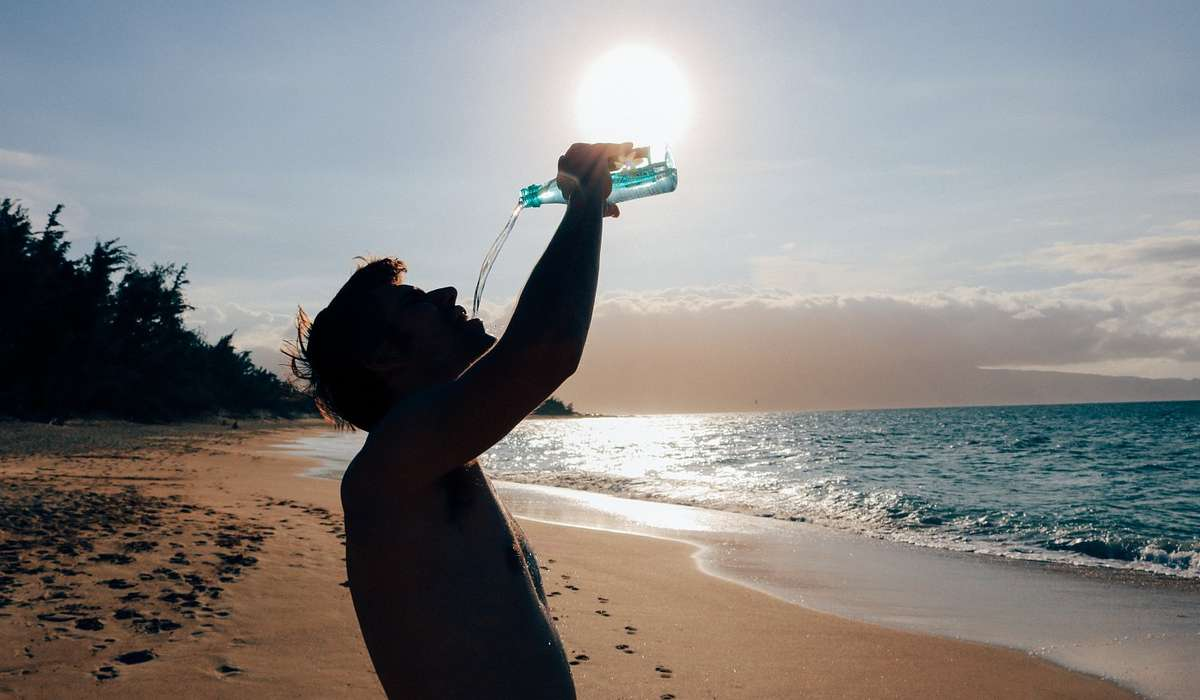 L'aumento dell'assunzione di acqua favorisce la perdita di peso?