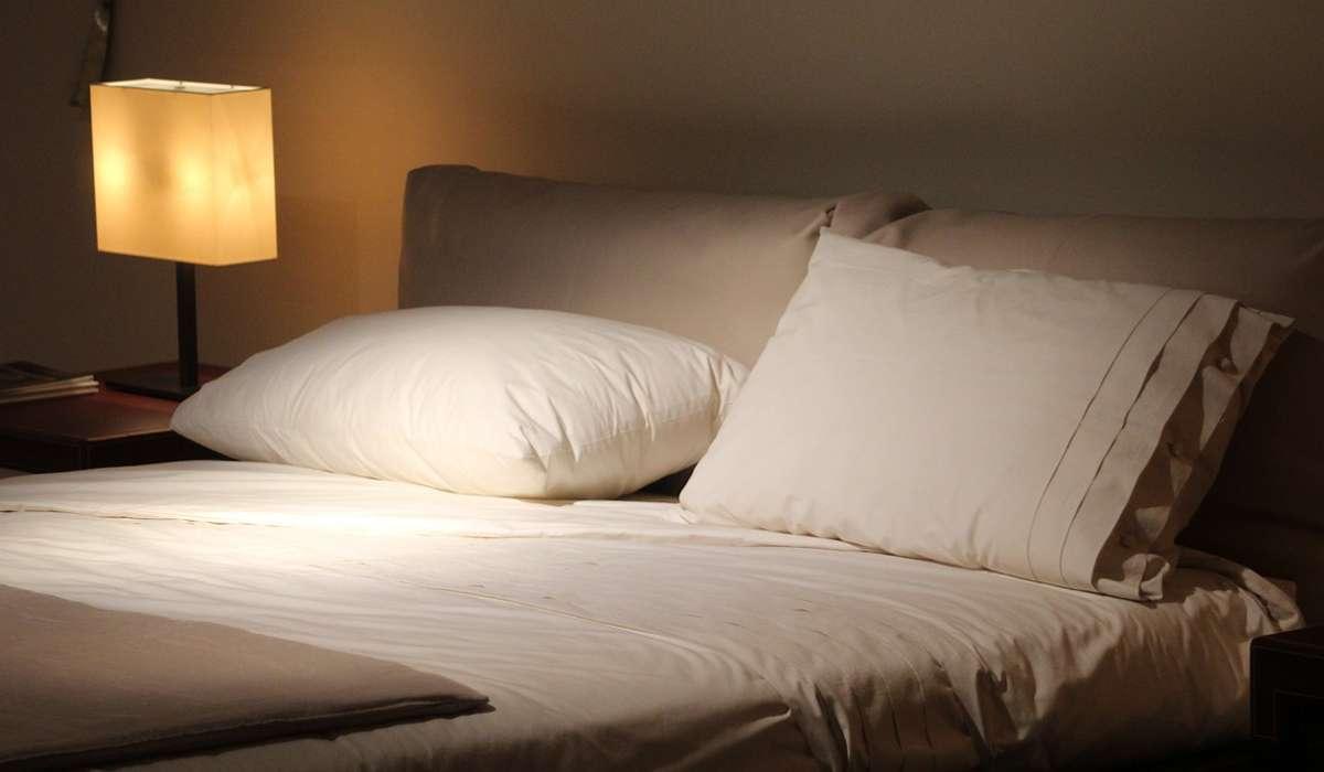 Come affermazione generale, dormire meno di 6 ore a notte è associato a un: