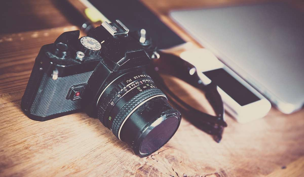 Le fotocamere digitali sono ancora basate su una piccolissima pellicola.