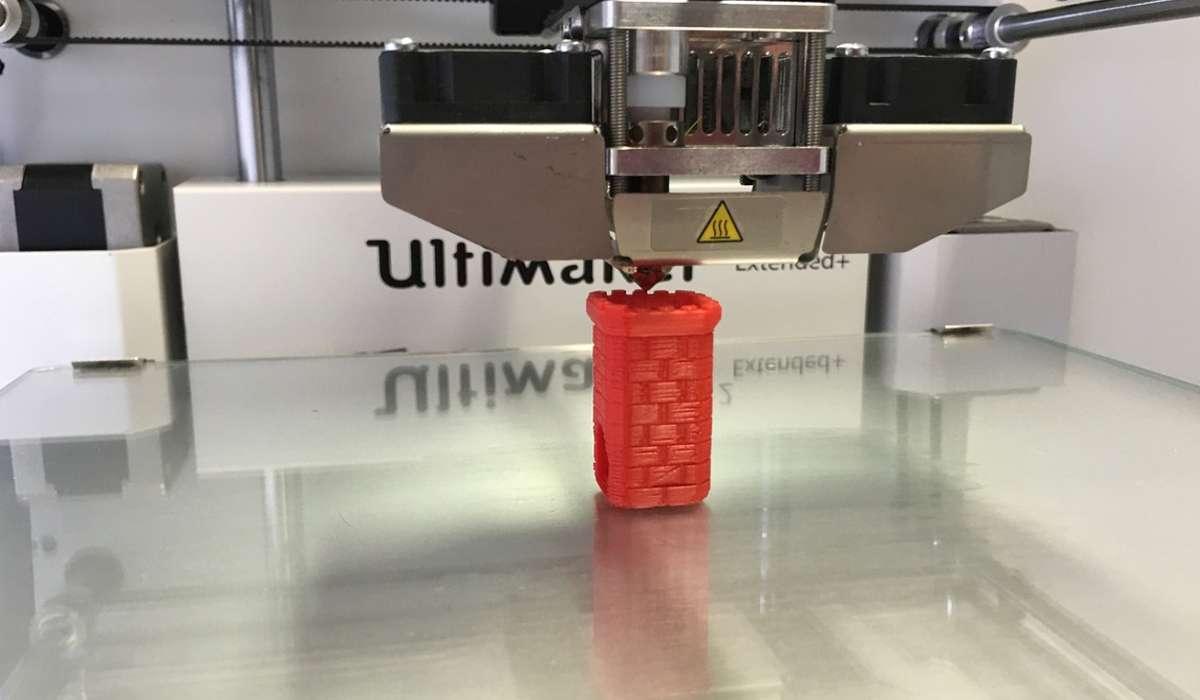 La stereolitografia è una tecnica per stampare oggetti in 3D.