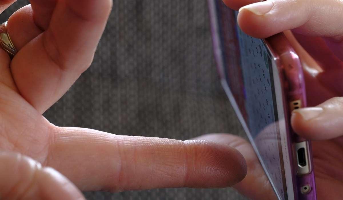 Su che tipo di scultura è stato realizzato un innovativo schermo touch?