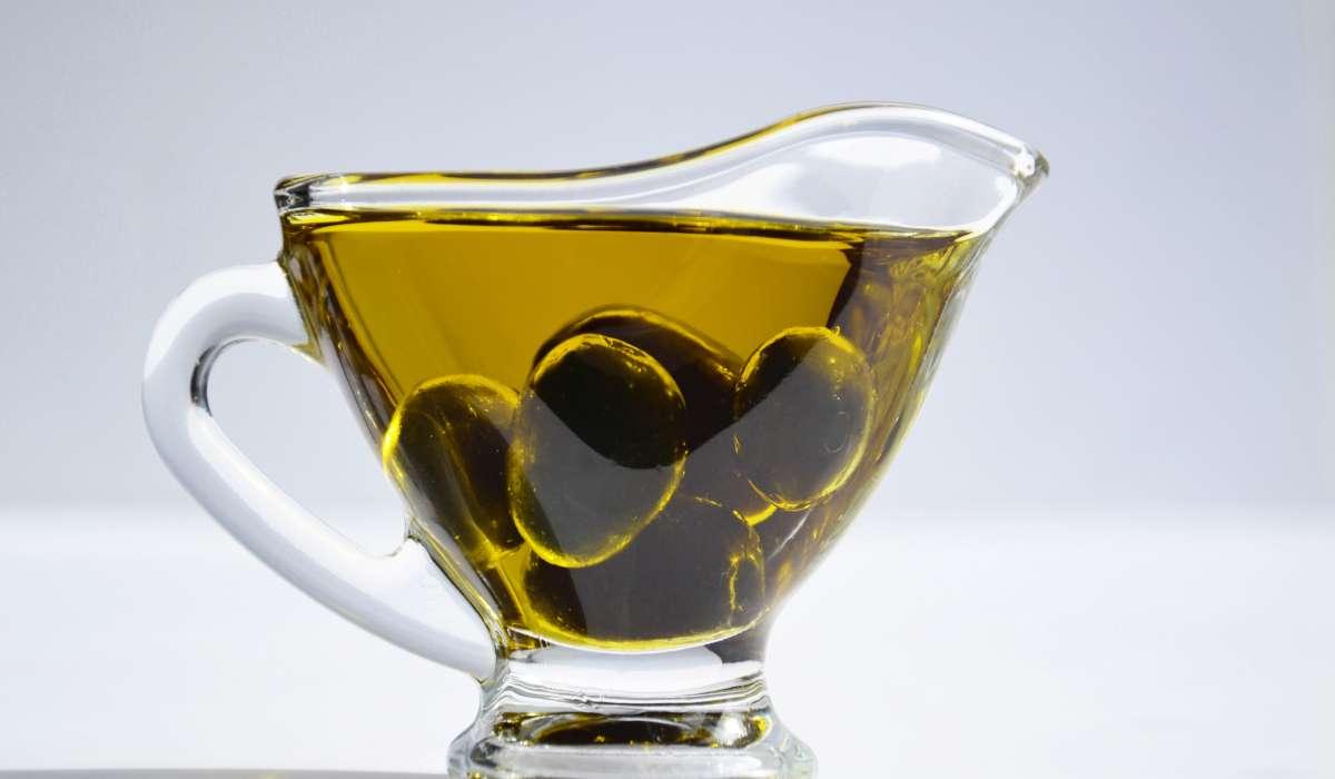 Agitando olio di oliva e acqua cosa si forma?
