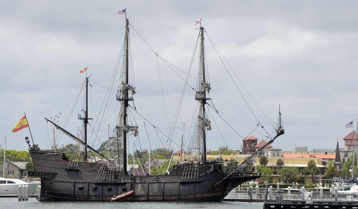A quale tipologia storica di nave appartiene quella in figura?