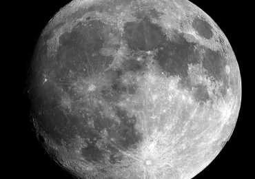 Di cosa è fatta? QUanto è lontana? Quanto conosci la Luna? Rispondi alle domande sullo spazio del nostro quiz.